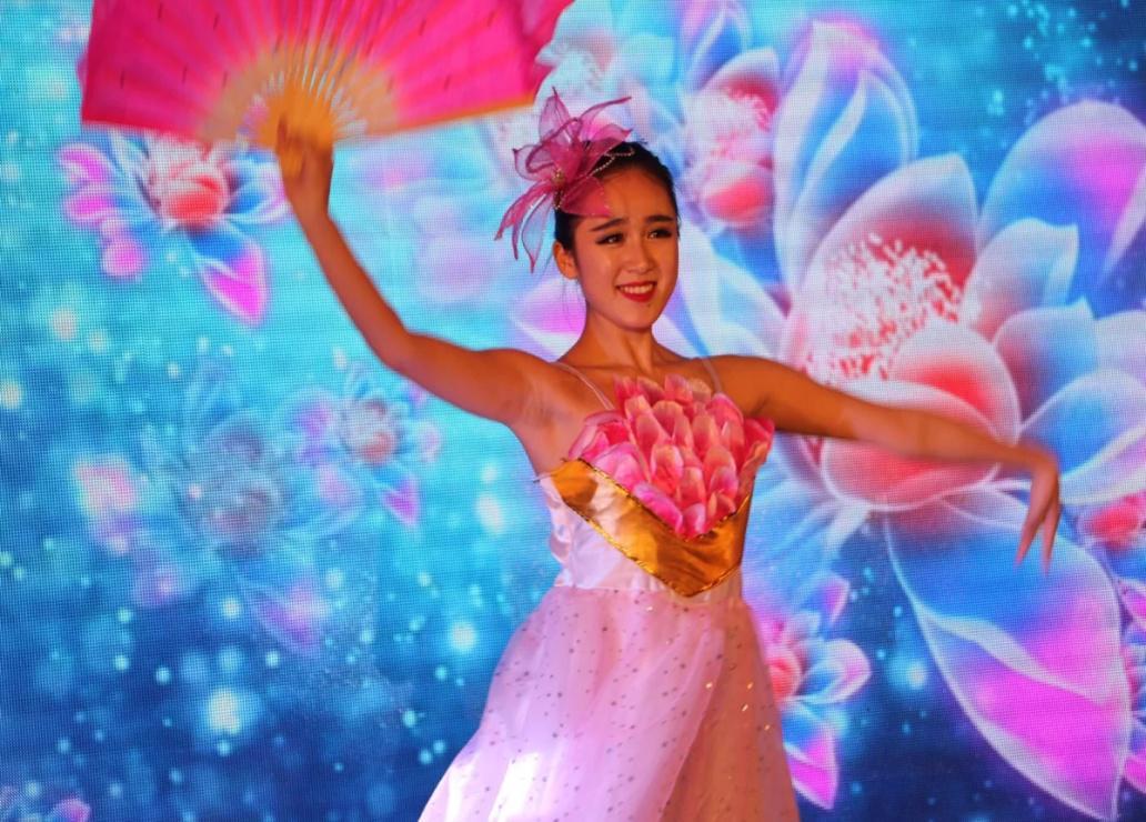 舞蹈《花开盛世》
